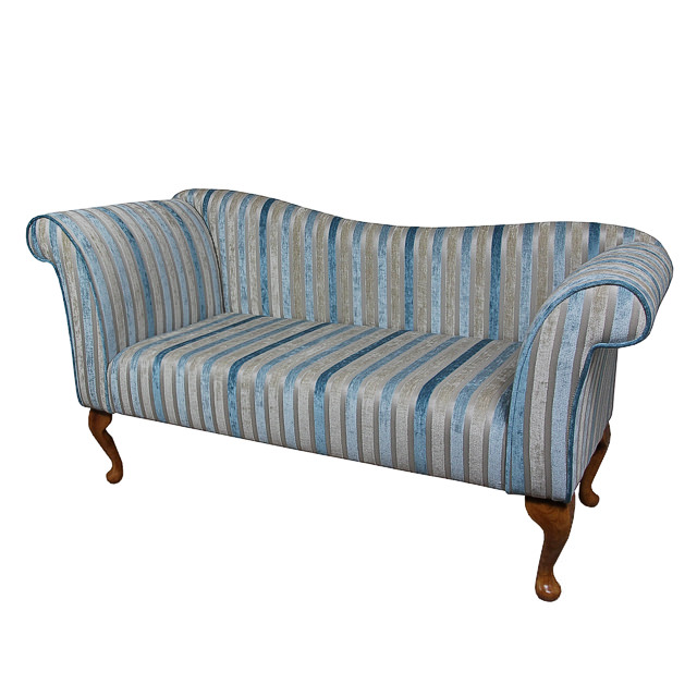 http://www.beaumont-furniture.co.uk/images/JC23-2SEATERCHAISESOFA---.jpg